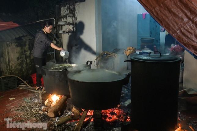 Nhiều nơi ở Hà Nội gửi hàng vạn bánh chưng ủng hộ miền Trung ảnh 6