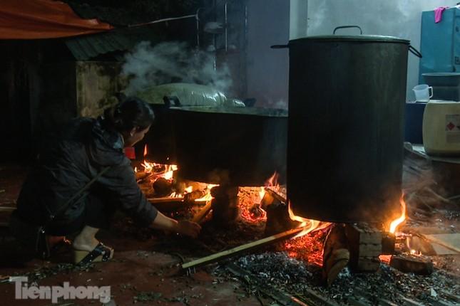 Nhiều nơi ở Hà Nội gửi hàng vạn bánh chưng ủng hộ miền Trung ảnh 9