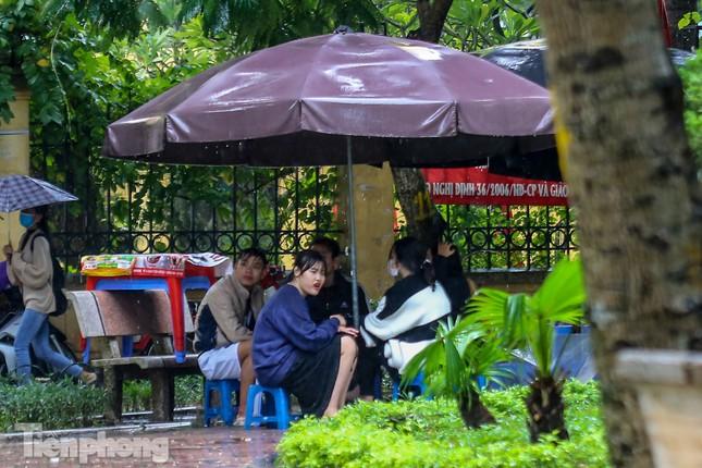 Mức phạt tăng 'tiền triệu', người dân Thủ đô vẫn thờ ơ với khẩu trang khi ra đường ảnh 13