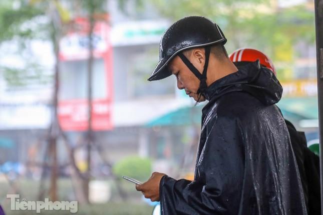 Mức phạt tăng 'tiền triệu', người dân Thủ đô vẫn thờ ơ với khẩu trang khi ra đường ảnh 4
