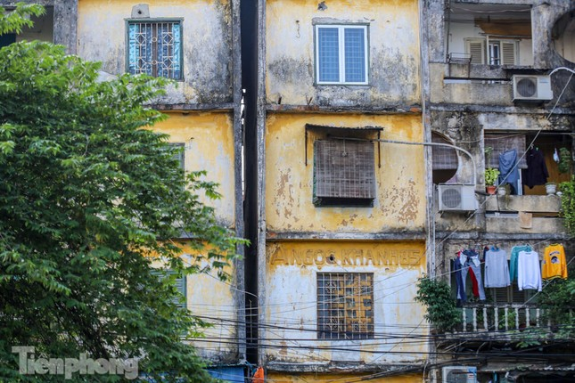 Nghịch lý tại những khu chung cư nguy hiểm bậc nhất Thủ đô ảnh 1