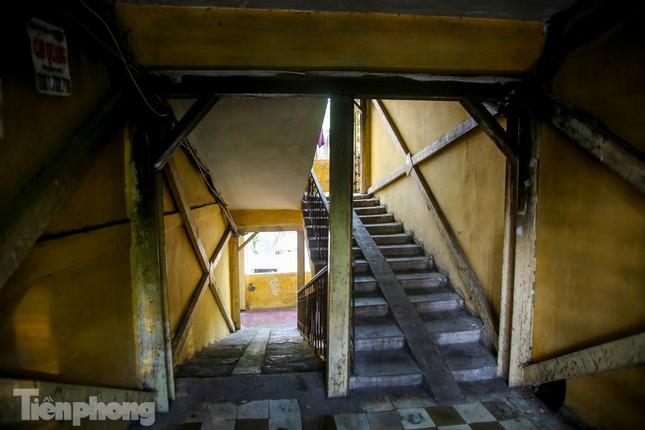 Nghịch lý tại những khu chung cư nguy hiểm bậc nhất Thủ đô ảnh 5