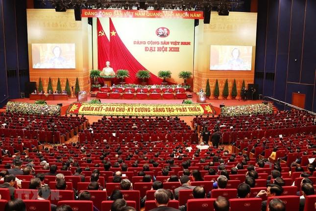 Cận cảnh phiên thảo luận các văn kiện Đại hội XIII của Đảng ảnh 15