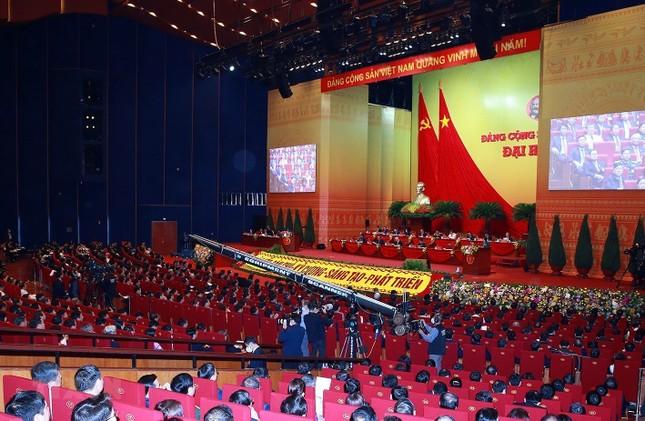 Cận cảnh phiên thảo luận các văn kiện Đại hội XIII của Đảng ảnh 16