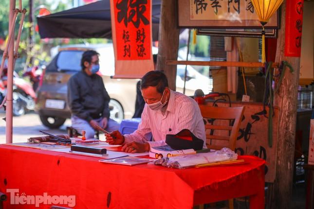 Di tích ở Hà Nội 'cảnh giác' phòng dịch COVID-19 những ngày nghỉ Tết ảnh 10