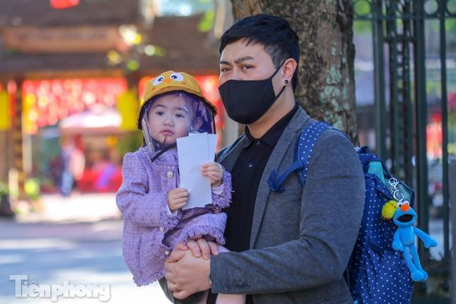 Di tích ở Hà Nội 'cảnh giác' phòng dịch COVID-19 những ngày nghỉ Tết ảnh 5