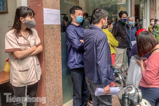 Hình ảnh người dân Thủ đô 'đua nước rút' xóa nợ tiền sử dụng đất ảnh 10