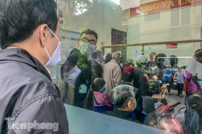 Hình ảnh người dân Thủ đô 'đua nước rút' xóa nợ tiền sử dụng đất ảnh 11