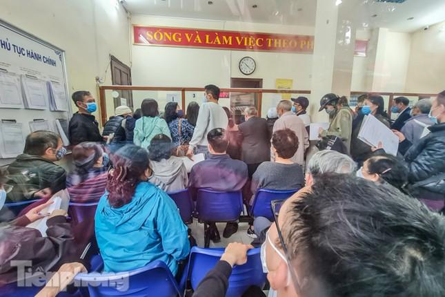 Hình ảnh người dân Thủ đô 'đua nước rút' xóa nợ tiền sử dụng đất ảnh 4