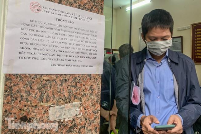 Hình ảnh người dân Thủ đô 'đua nước rút' xóa nợ tiền sử dụng đất ảnh 13