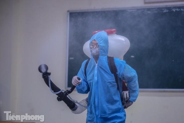 Đón học sinh trở lại, trường học ở Hà Nội trang bị phòng cách ly ảnh 22