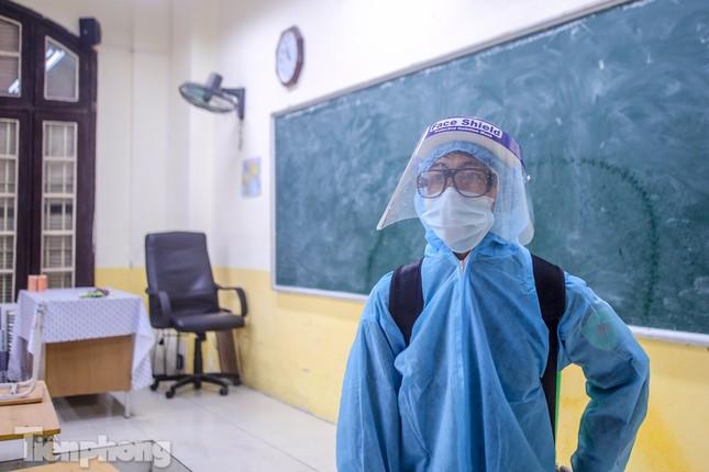 Đón học sinh trở lại, trường học ở Hà Nội trang bị phòng cách ly ảnh 24