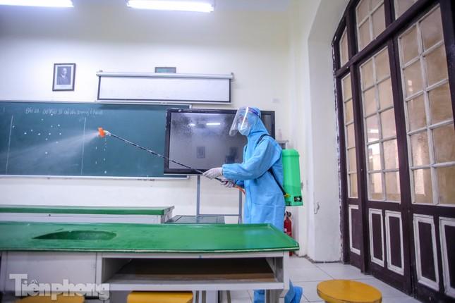 Đón học sinh trở lại, trường học ở Hà Nội trang bị phòng cách ly ảnh 25