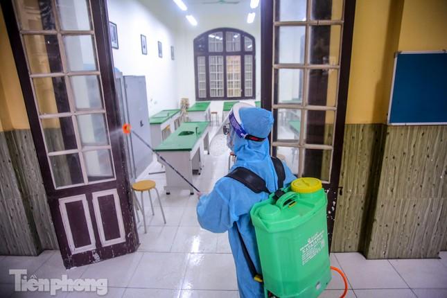 Đón học sinh trở lại, trường học ở Hà Nội trang bị phòng cách ly ảnh 26