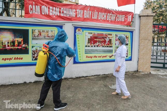Đón học sinh trở lại, trường học ở Hà Nội trang bị phòng cách ly ảnh 13