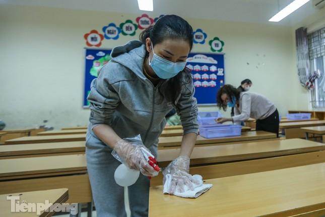 Đón học sinh trở lại, trường học ở Hà Nội trang bị phòng cách ly ảnh 14