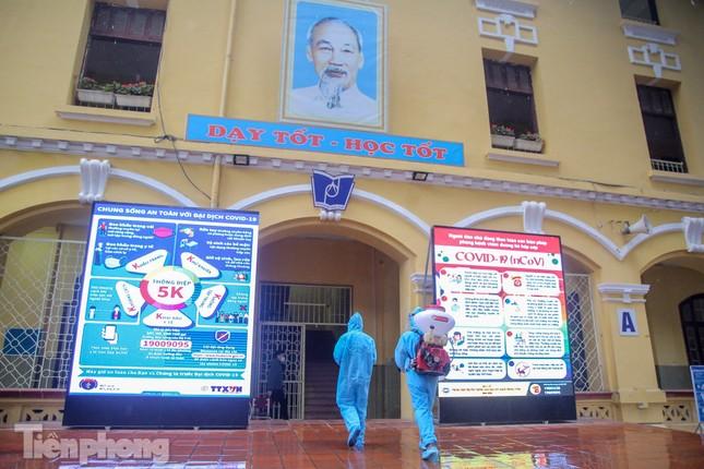 Đón học sinh trở lại, trường học ở Hà Nội trang bị phòng cách ly ảnh 18