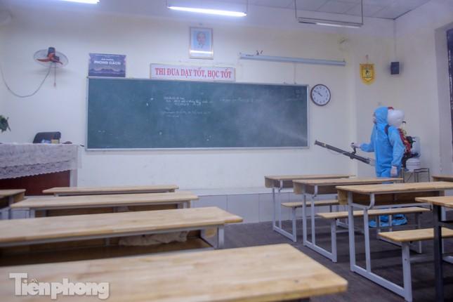 Đón học sinh trở lại, trường học ở Hà Nội trang bị phòng cách ly ảnh 21