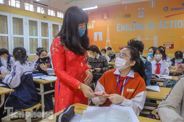 Sáng nay, hơn hai triệu học sinh Hà Nội trở lại trường ảnh 25