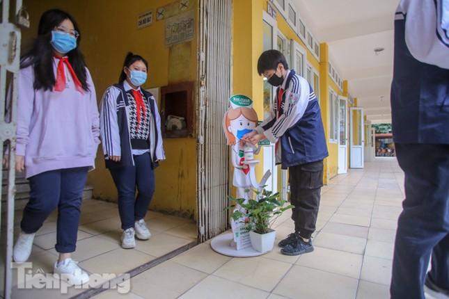 Sáng nay, hơn hai triệu học sinh Hà Nội trở lại trường ảnh 28
