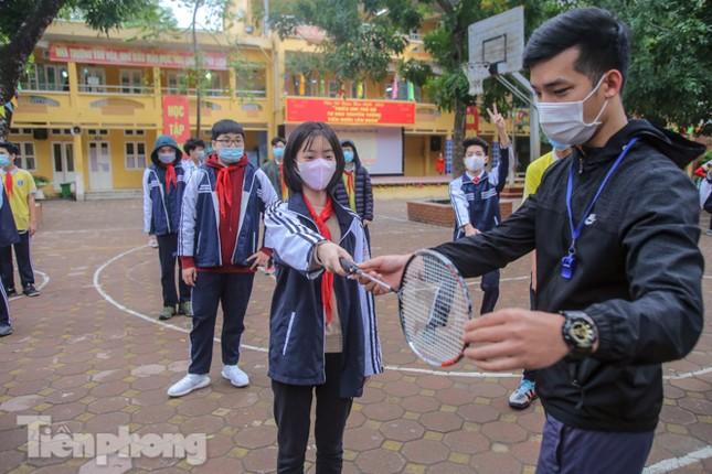 Sáng nay, hơn hai triệu học sinh Hà Nội trở lại trường ảnh 29