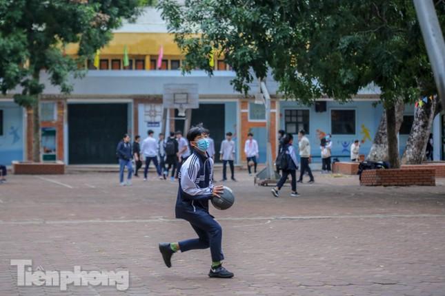 Sáng nay, hơn hai triệu học sinh Hà Nội trở lại trường ảnh 31