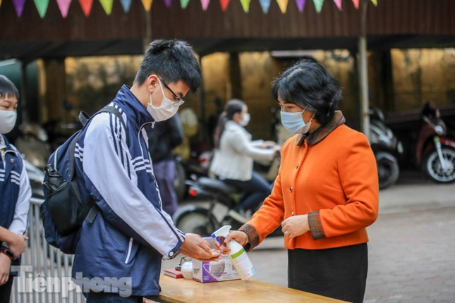 Sáng nay, hơn hai triệu học sinh Hà Nội trở lại trường ảnh 24