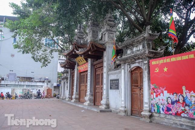 Di tích, đền chùa Hà Nội vắng lặng trong ngày mở lại ảnh 19
