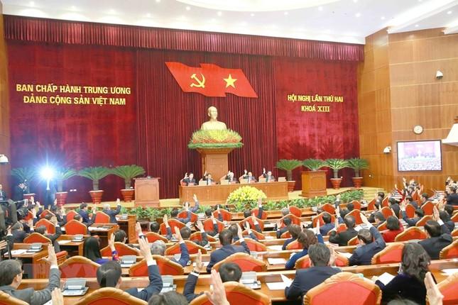 Toàn cảnh phiên khai mạc Hội nghị lần thứ hai BCH Trung ương Đảng khóa XIII ảnh 9