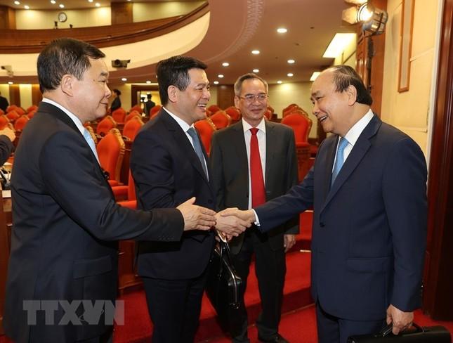Toàn cảnh phiên khai mạc Hội nghị lần thứ hai BCH Trung ương Đảng khóa XIII ảnh 12