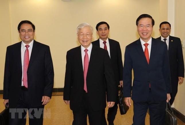 Toàn cảnh phiên khai mạc Hội nghị lần thứ hai BCH Trung ương Đảng khóa XIII ảnh 15