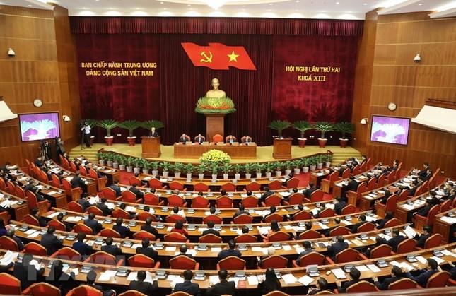 Toàn cảnh phiên khai mạc Hội nghị lần thứ hai BCH Trung ương Đảng khóa XIII ảnh 1