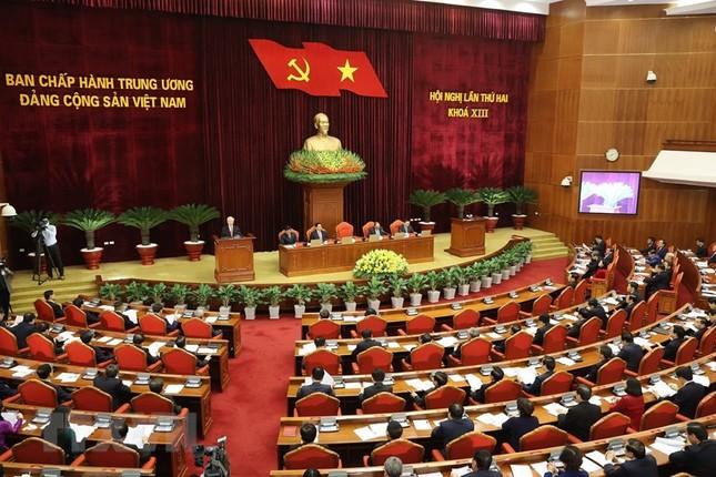 Toàn cảnh phiên khai mạc Hội nghị lần thứ hai BCH Trung ương Đảng khóa XIII ảnh 2