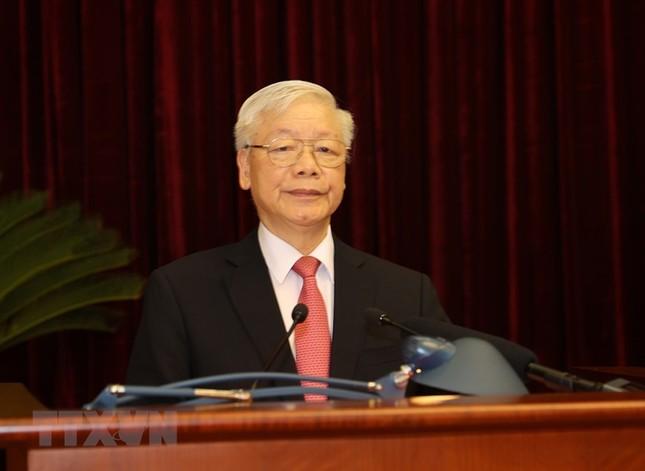 Toàn cảnh phiên khai mạc Hội nghị lần thứ hai BCH Trung ương Đảng khóa XIII ảnh 3