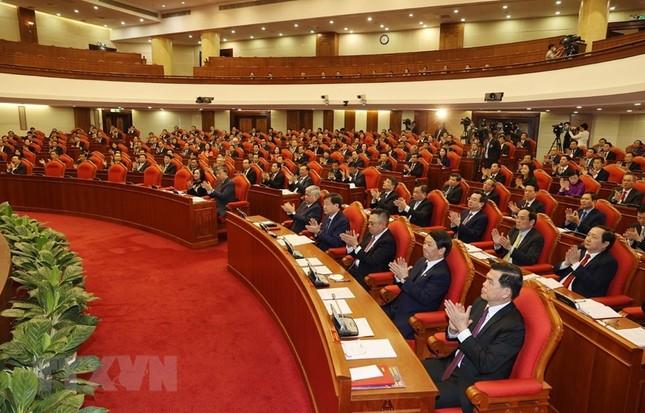 Toàn cảnh phiên khai mạc Hội nghị lần thứ hai BCH Trung ương Đảng khóa XIII ảnh 4