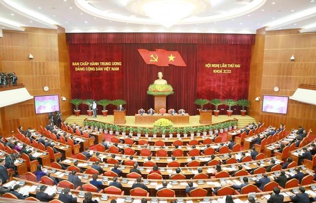 Toàn cảnh phiên khai mạc Hội nghị lần thứ hai BCH Trung ương Đảng khóa XIII ảnh 7