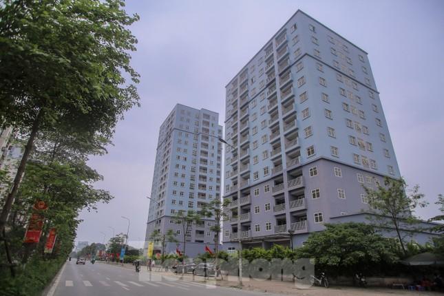 Khu chung cư tọa lạc vị trí 'đắc địa' ở Hà Nội thành nơi tập kết rác ảnh 1