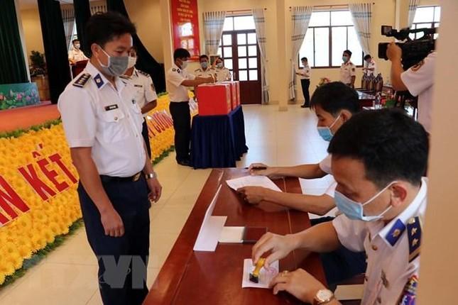 Tổ chức bầu cử sớm cho những người làm việc dài ngày trên biển ảnh 17