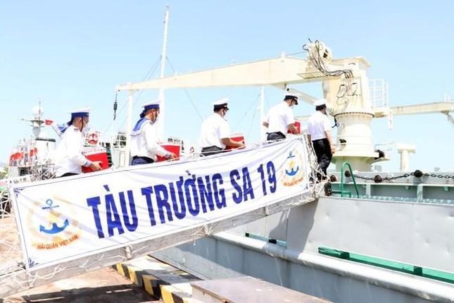 Tổ chức bầu cử sớm cho những người làm việc dài ngày trên biển ảnh 8