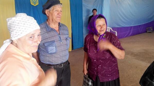 Hơn 35 triệu cử tri Ukraine bắt đầu bầu Tổng thống ảnh 15