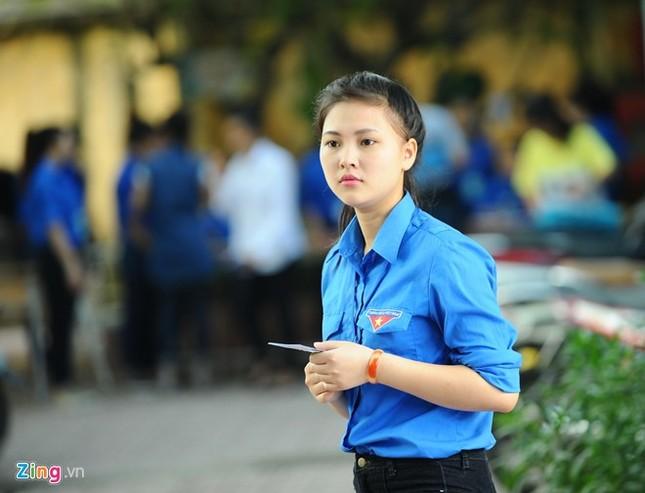 Dàn nữ sinh tình nguyện xinh đẹp của HV Hành chính ảnh 1
