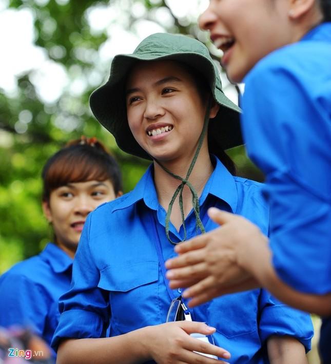 Dàn nữ sinh tình nguyện xinh đẹp của HV Hành chính ảnh 3