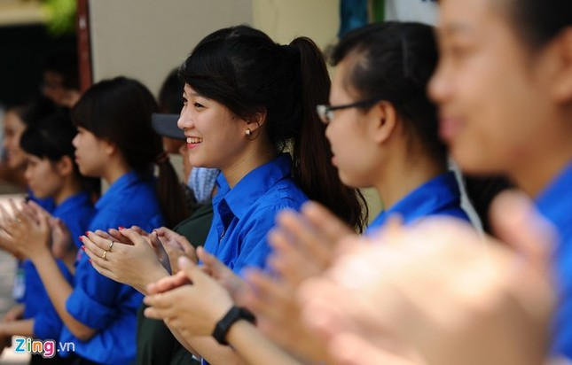 Dàn nữ sinh tình nguyện xinh đẹp của HV Hành chính ảnh 4