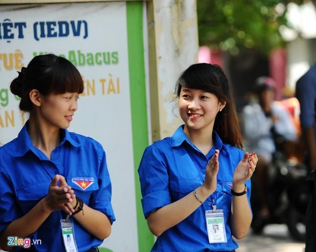 Dàn nữ sinh tình nguyện xinh đẹp của HV Hành chính ảnh 5