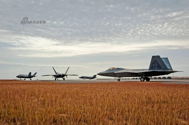 [ẢNH] Nhìn gần nữ phi công Mỹ đầu tiên lái tiêm kích F35 ảnh 7