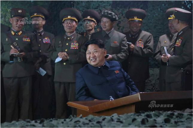 Pháo binh Triều Tiên đồng loạt khai hỏa trong đêm ảnh 2