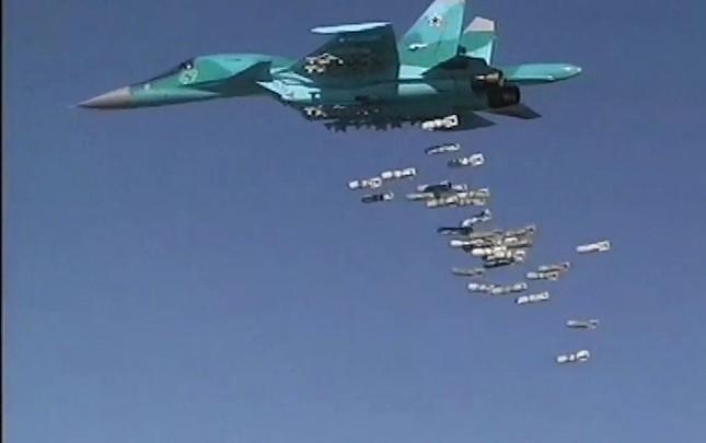 Không quân Nga thực hiện 182 cuộc tấn công khủng bố trong 24 giờ ảnh 1