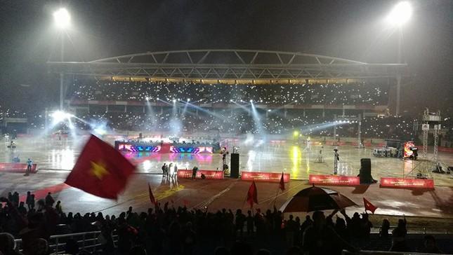 U23 Việt Nam hát 'Niềm tin chiến thắng' trên sân Mỹ Đình ảnh 17