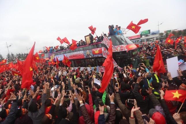 Thủ tướng: U23 Việt Nam đã vô địch trong 90 triệu con tim ảnh 96