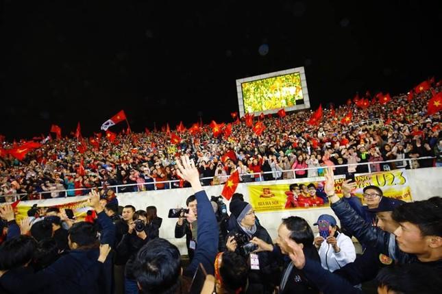 U23 Việt Nam hát 'Niềm tin chiến thắng' trên sân Mỹ Đình ảnh 27